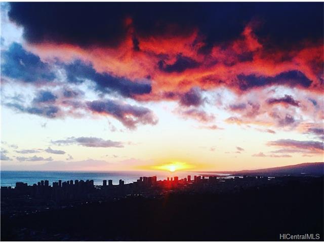 Photo of 4730 Halehoola Pl, Honolulu, HI 96816
